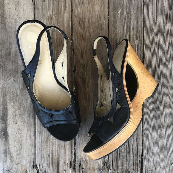 MICHAEL Michael Kors Shoes - EUC Michael Kors wooden wedge scalloped sandals